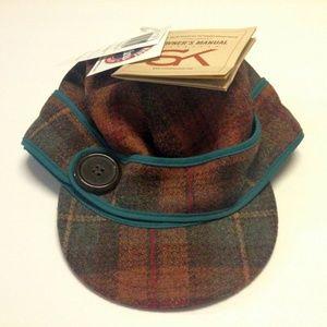 Stormy Kromer Ladies 7 1/8 Partridge Plaid cap